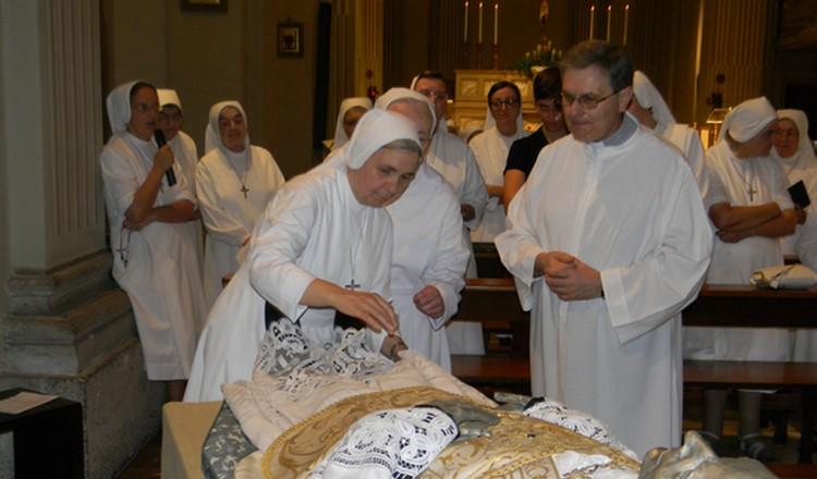 Canonizzazione nuova urna